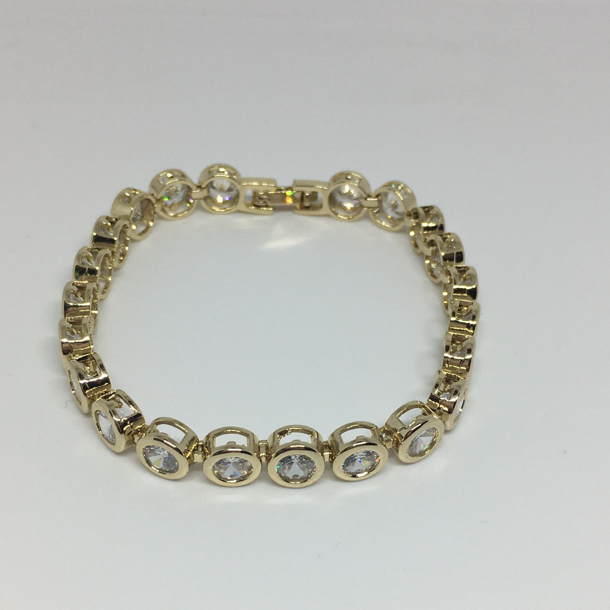 Round Bezel Diamond Crystal Bracelet- Clear Gold