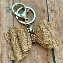 Load image into Gallery viewer, Keychain- TAN CHEVRON
