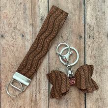 Load image into Gallery viewer, Keychain- BROWN CHEVRON