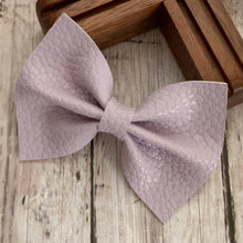Load image into Gallery viewer, Leather Bow- LAVENDER