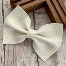 Load image into Gallery viewer, Leather Bow- COTTON