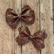 Load image into Gallery viewer, Glitter Bow- BROWN SHINE
