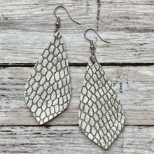 Load image into Gallery viewer, Earrings- SILVER SNAKESKIN