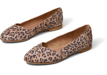 Load image into Gallery viewer, TOMS JULIE FLAT DESERT TAN LEOPARD