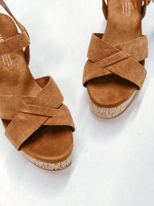 TOMS WILLOW CARMEL BROWN SUEDE