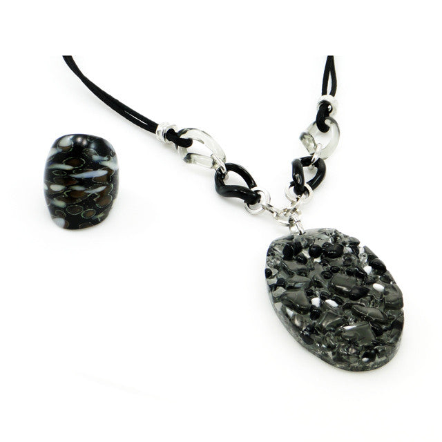 LORA- Black Murano Glass Stone Pendant Necklace - www.LaBellaDentro.com