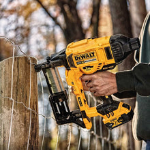 Load image into Gallery viewer, NEW TOOL!! Dewalt DCFS950 Cordless Fencing Stapler