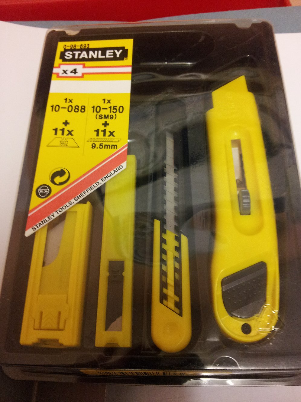 Stanley 4Pce Knife & Blade Set 0 98 693