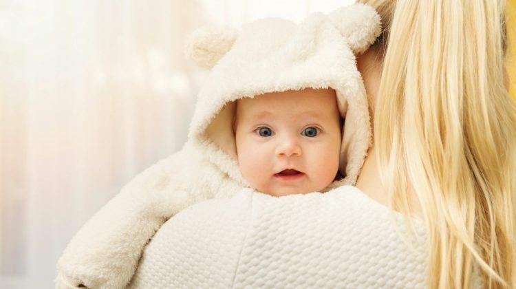 5 top tips to keep your baby warm this winter