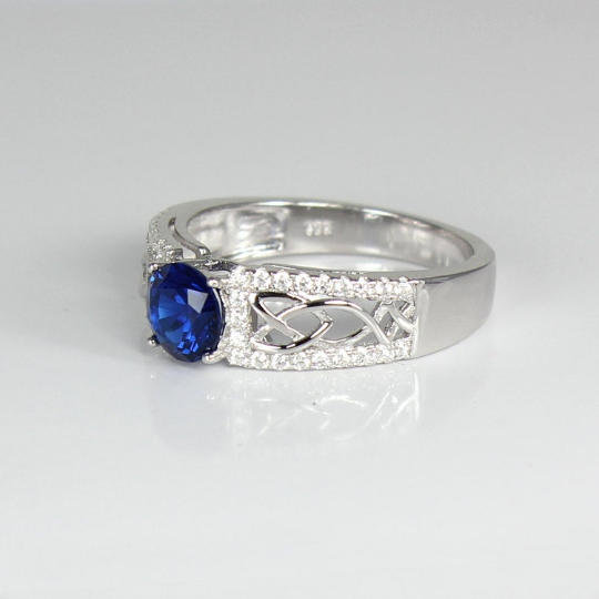 Blue Sapphire and White Diamonds Ring 925 Sterling Silver / Celtic-Style