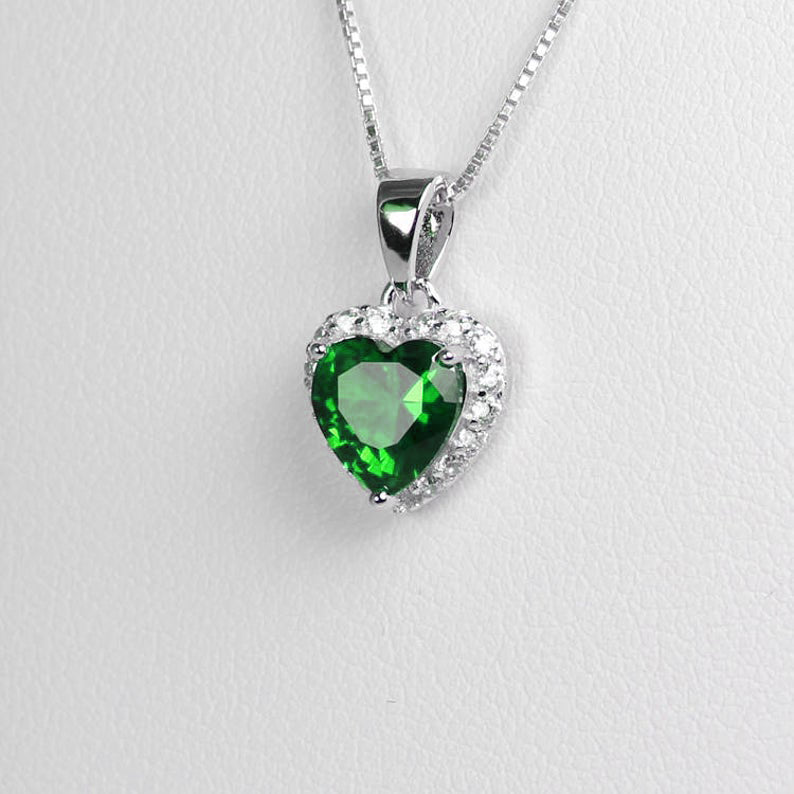 Emerald Necklace 925 Sterling Silver / Heart-Shaped Halo