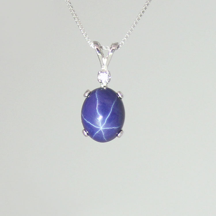 3-Carat Cornflower Blue Star Sapphire Necklace 925 Sterling Silver / Oval-Shaped Pendant