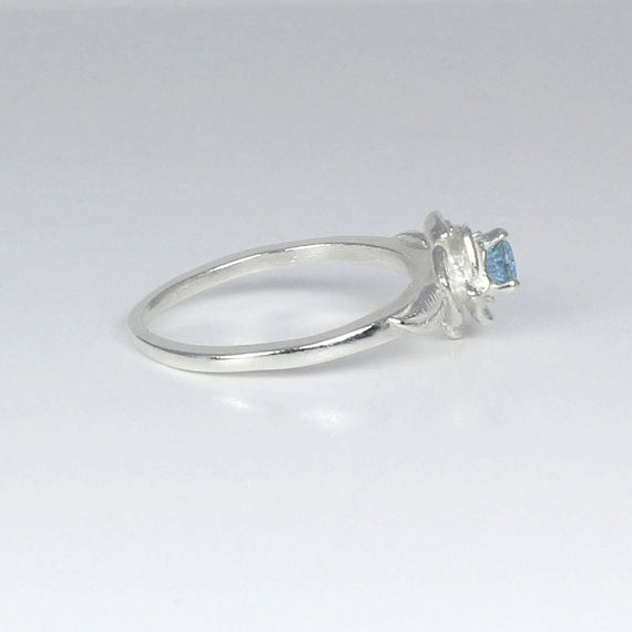 Natural Aquamarine Ring 925 Sterling Silver / Flower-Style