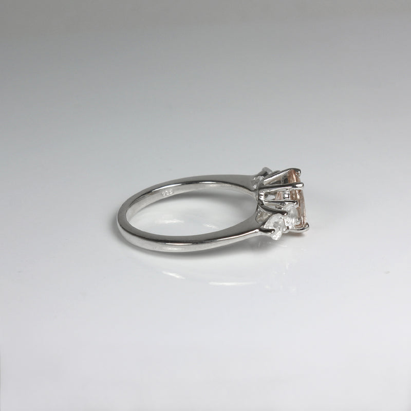 Natural Morganite Ring 925 Sterling Silver / Oval-Shaped Accented