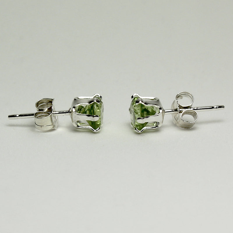 Natural Peridot Stud Earrings 925 Sterling Silver / Round-Shaped