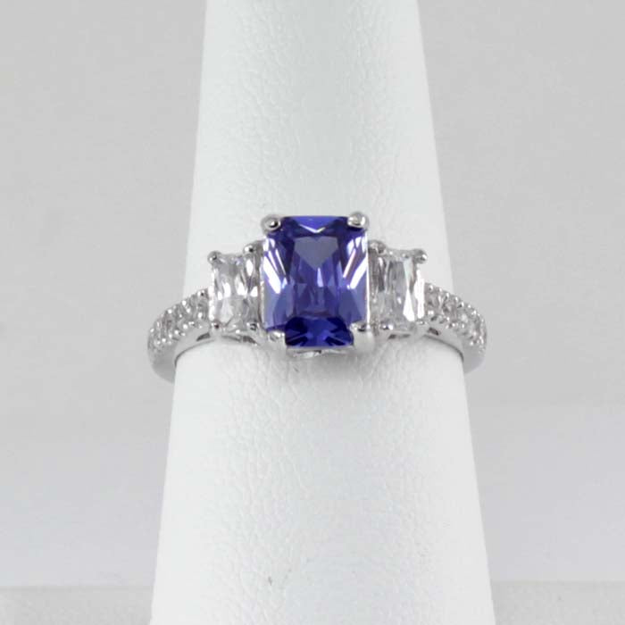 Tanzanite and White Diamonds Ring 925 Sterling Silver / Emerald-Shaped