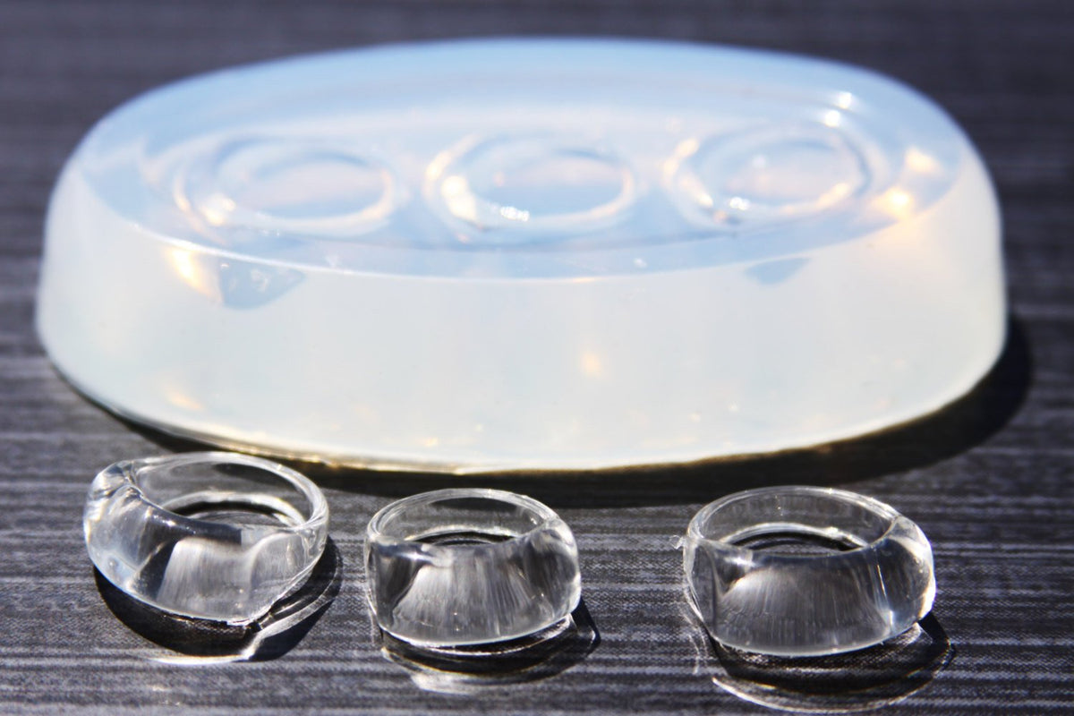 SIZE {7},{8},{9},{10}.Free USA ship Sale Clear silicone UNISEX rings Molds 4pc