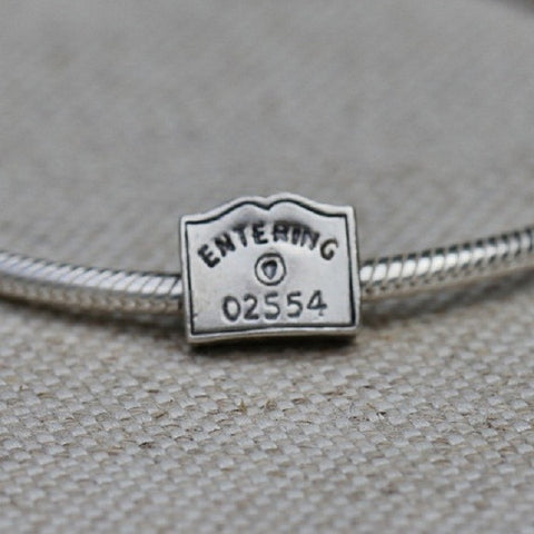 Entering 02554 Sign Charm Bead