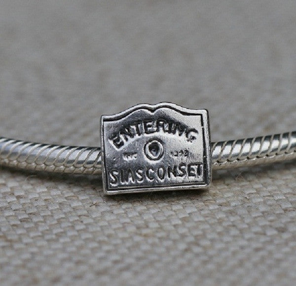 Entering Siasconset Sign Charm Bead