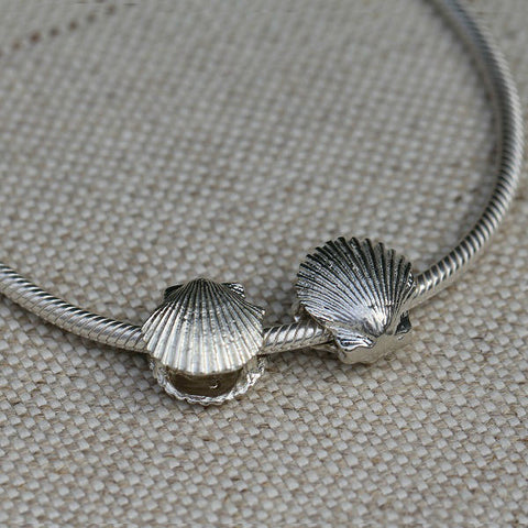 Scallop Shell Charm Bead