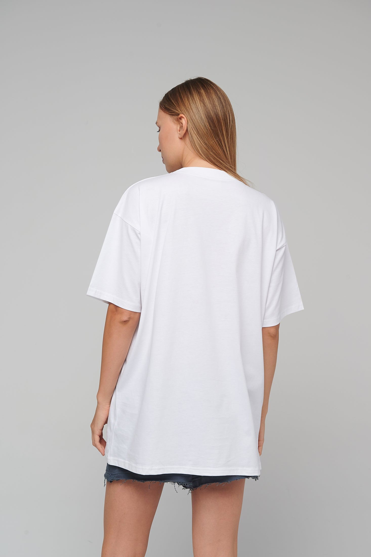 T&H Unisex One size T-shirt