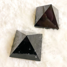 Load image into Gallery viewer, Snowflake Obsidian Pyramids