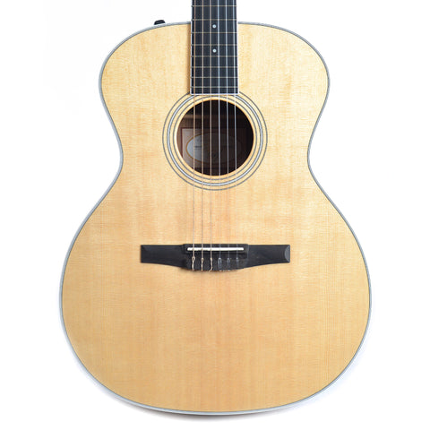 Taylor Prototype Grand Auditorium Nylon Ovankol/Sitka Gloss Body ES2