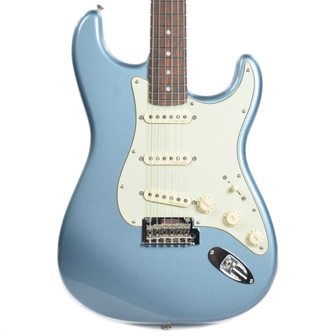 Fender Deluxe Roadhouse Stratocaster Mystic Ice Blue