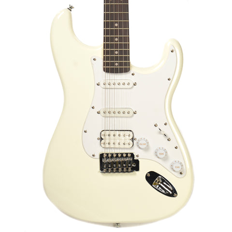 Squier Bullet Stratocaster with Tremolo HSS RW Arctic White