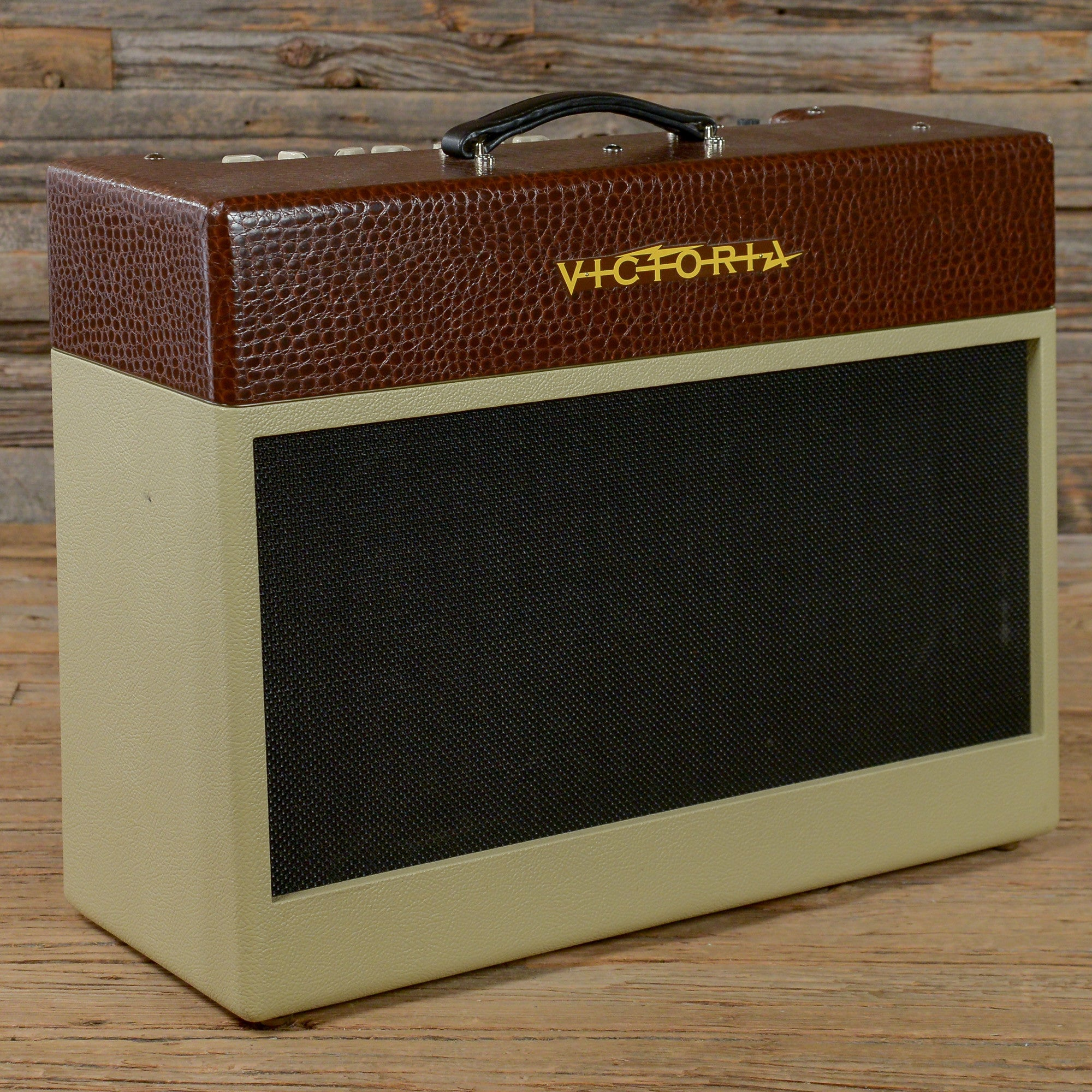 victoria golden melody 2x12 used chicago music exchange. Black Bedroom Furniture Sets. Home Design Ideas