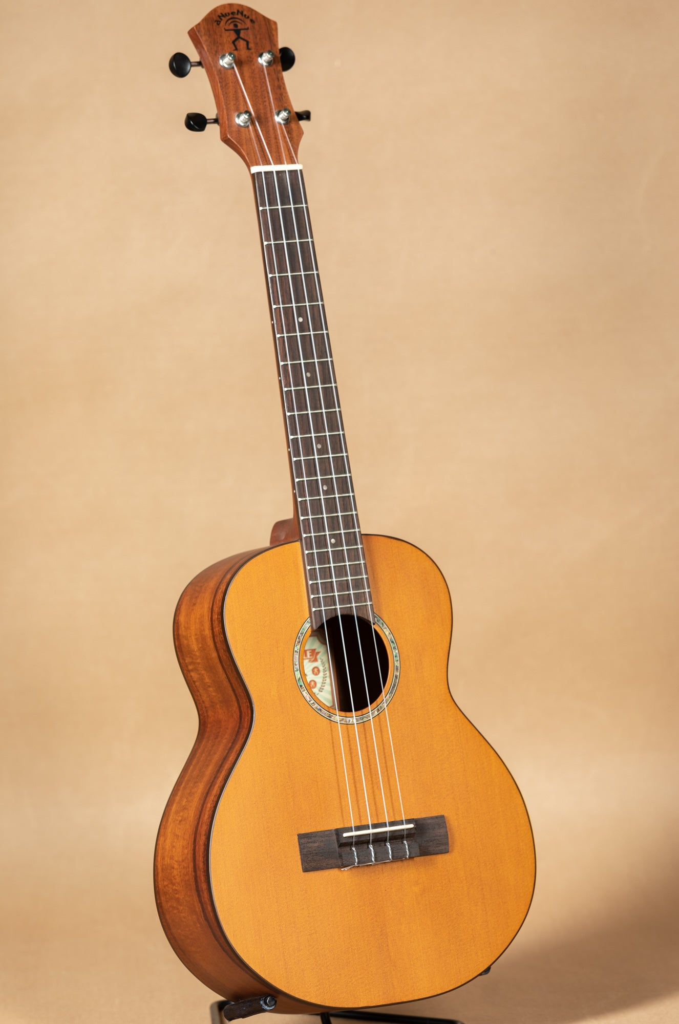aNueNue Hawaiian Dream Series T4 Solid Cedar Top Tenor Ukulele