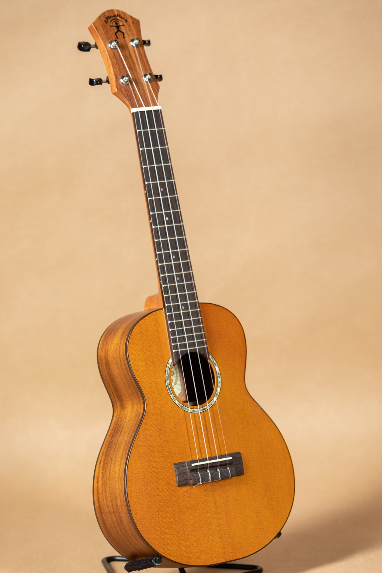 aNueNue Hawaiian Dream Series C4 Solid Cedar Concert Ukulele