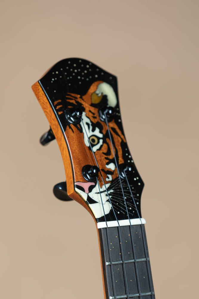 "aNueNue Custom ""Tiger"" Tenor Black Rainbow #026 Ukulele"