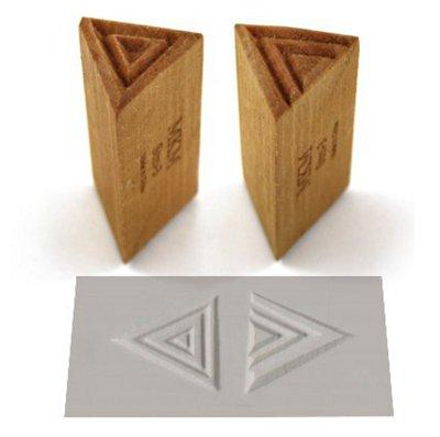MKM TRIANGLE STAMP MEDIUM (T3003)