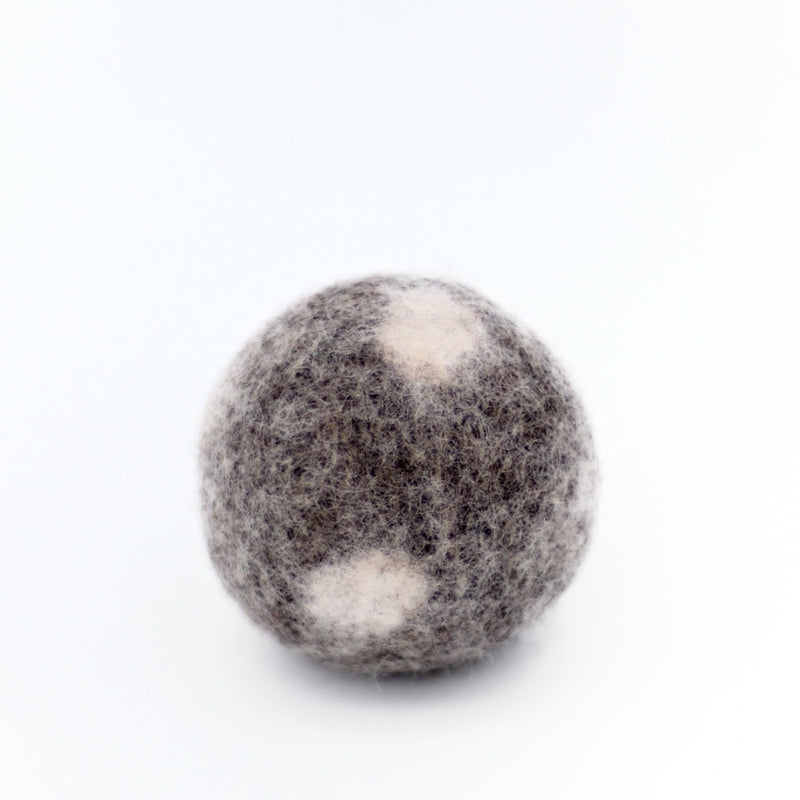 Dark Gray Dotted Dryer Balls Fibres of Life - Strivezy