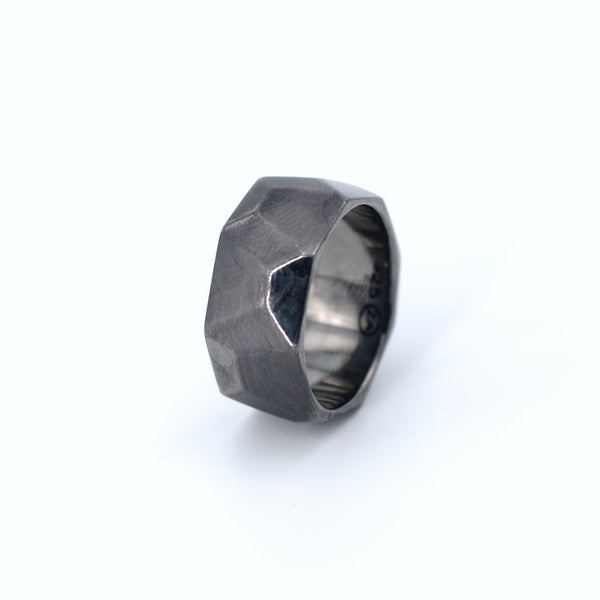 Facets of the West Ring Elegante - Strivezy