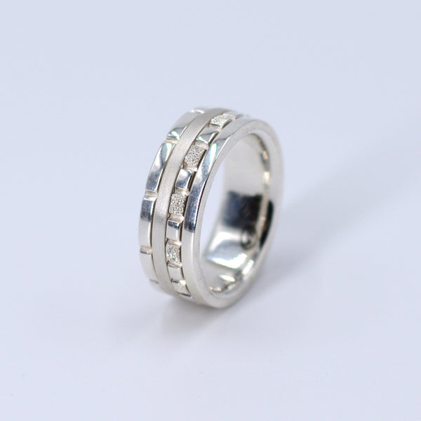 Joburg Towers Spinner Ring Elegante - Strivezy