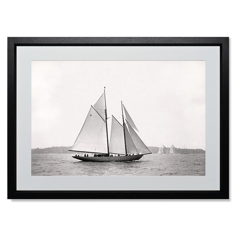 "Sailing Off Cowes I Smith & Co Galleries 24"" x 18"" Black 5mm Luxe Floated - Strivezy"