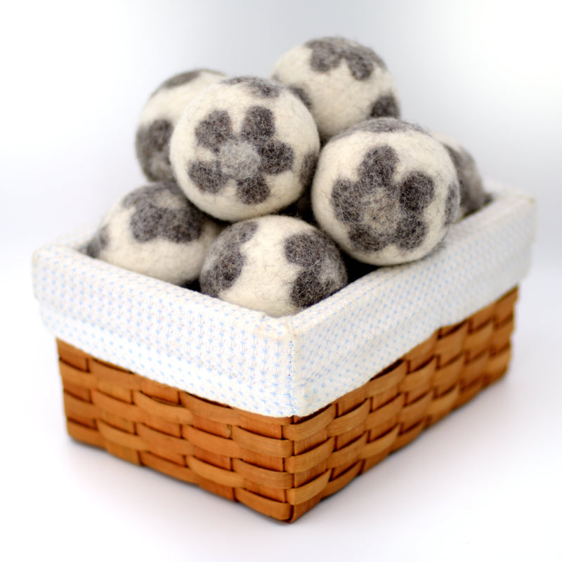White with Gray Flowers Dryer Balls Fibres of Life - Strivezy
