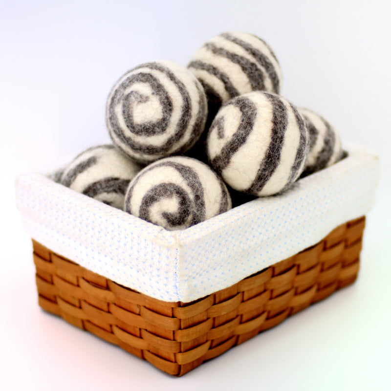 White with Gray Spirals Dryer Balls Fibres of Life - Strivezy