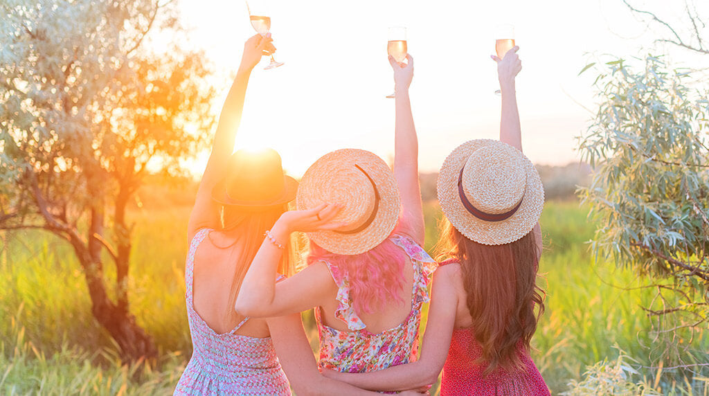 'Summer house, sun hat & seafood' - Bachelorette party