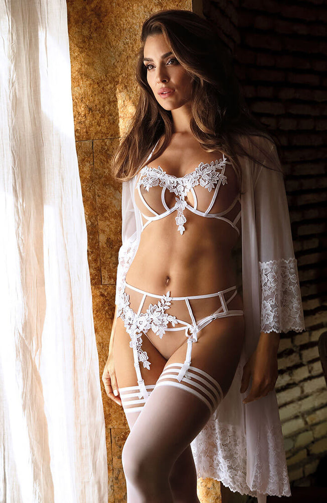 ELEGANCE - Halter neck bra with white lace