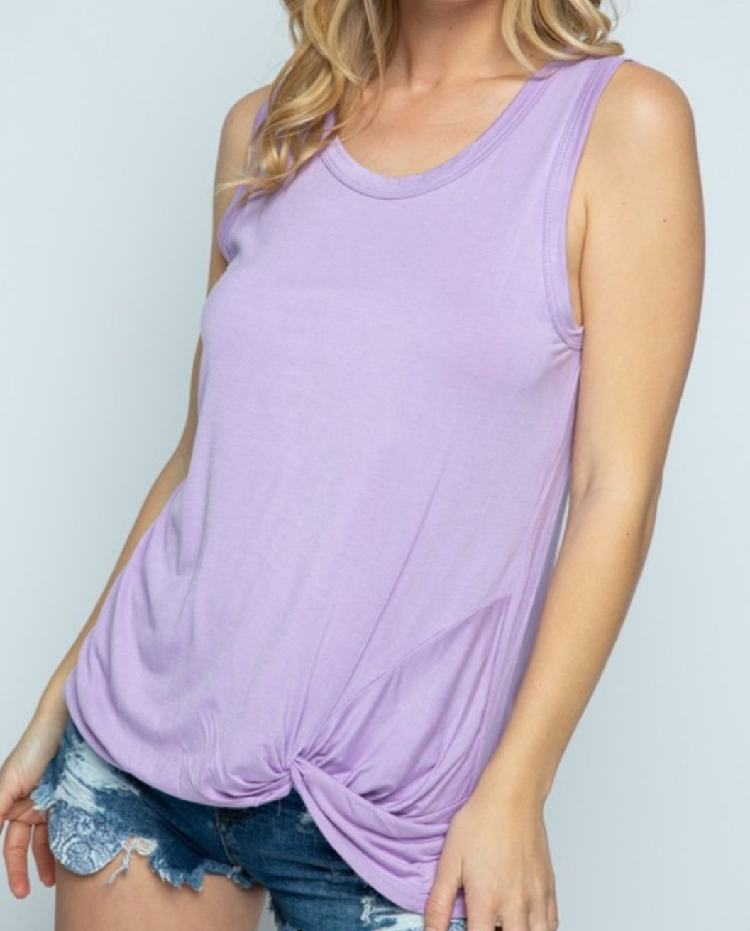 Tina twist hem tank in lilac