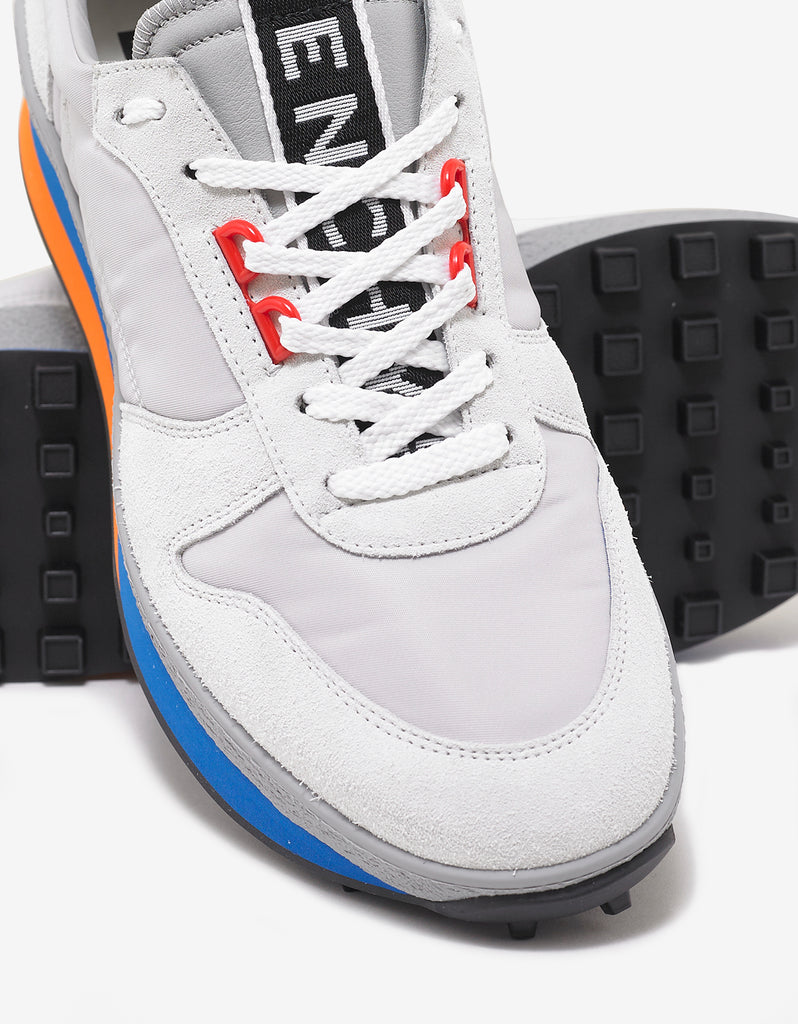 TR3 Runner Multi Panelled Trainers