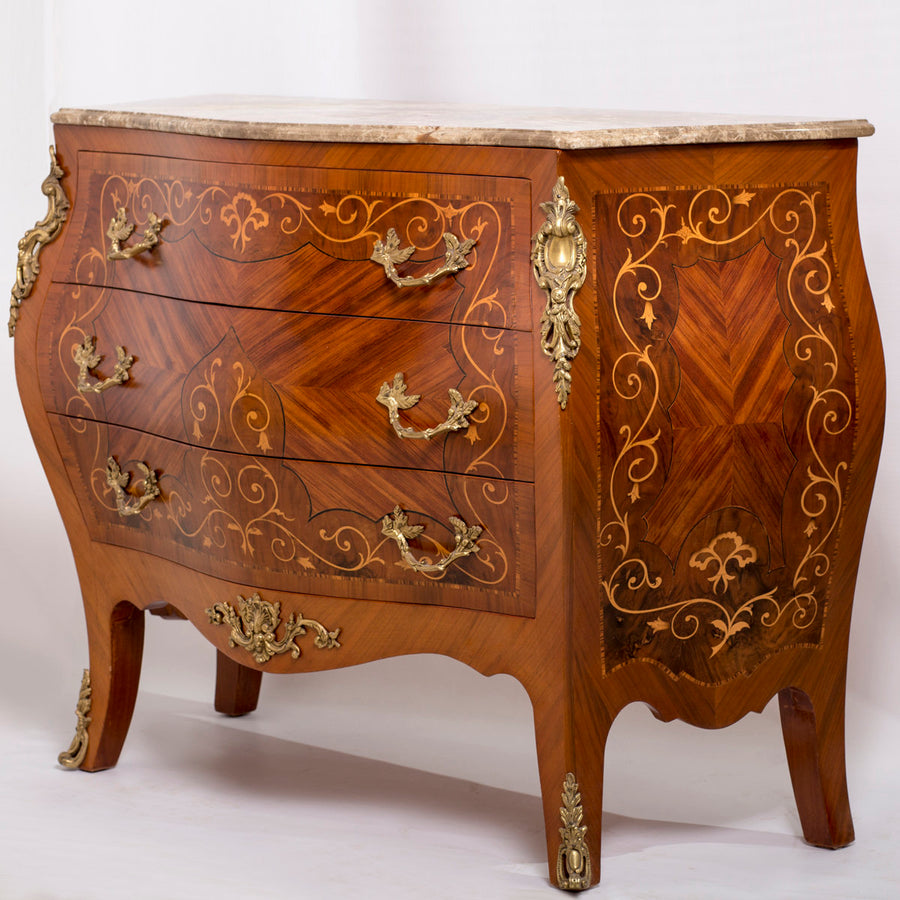 Louis XV drawers chest