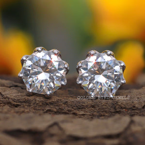 3.50 - 3.50 CT Colorless Round Diamond Earrings - Stud Earrings in 18K Solid Gold