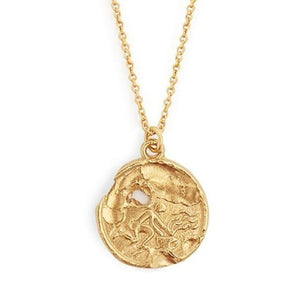 Collier astrologique à la main