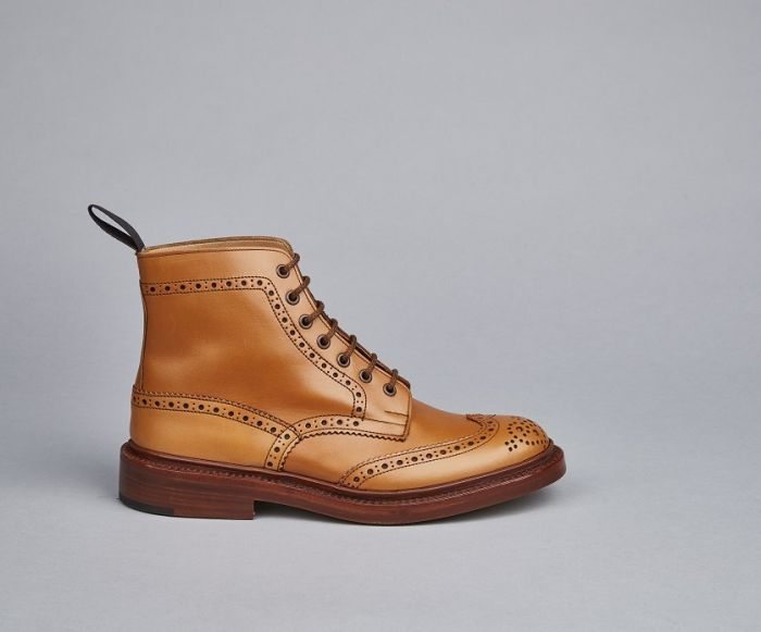 Tricker's Stow Acorn Country Brogue Boots - Brown