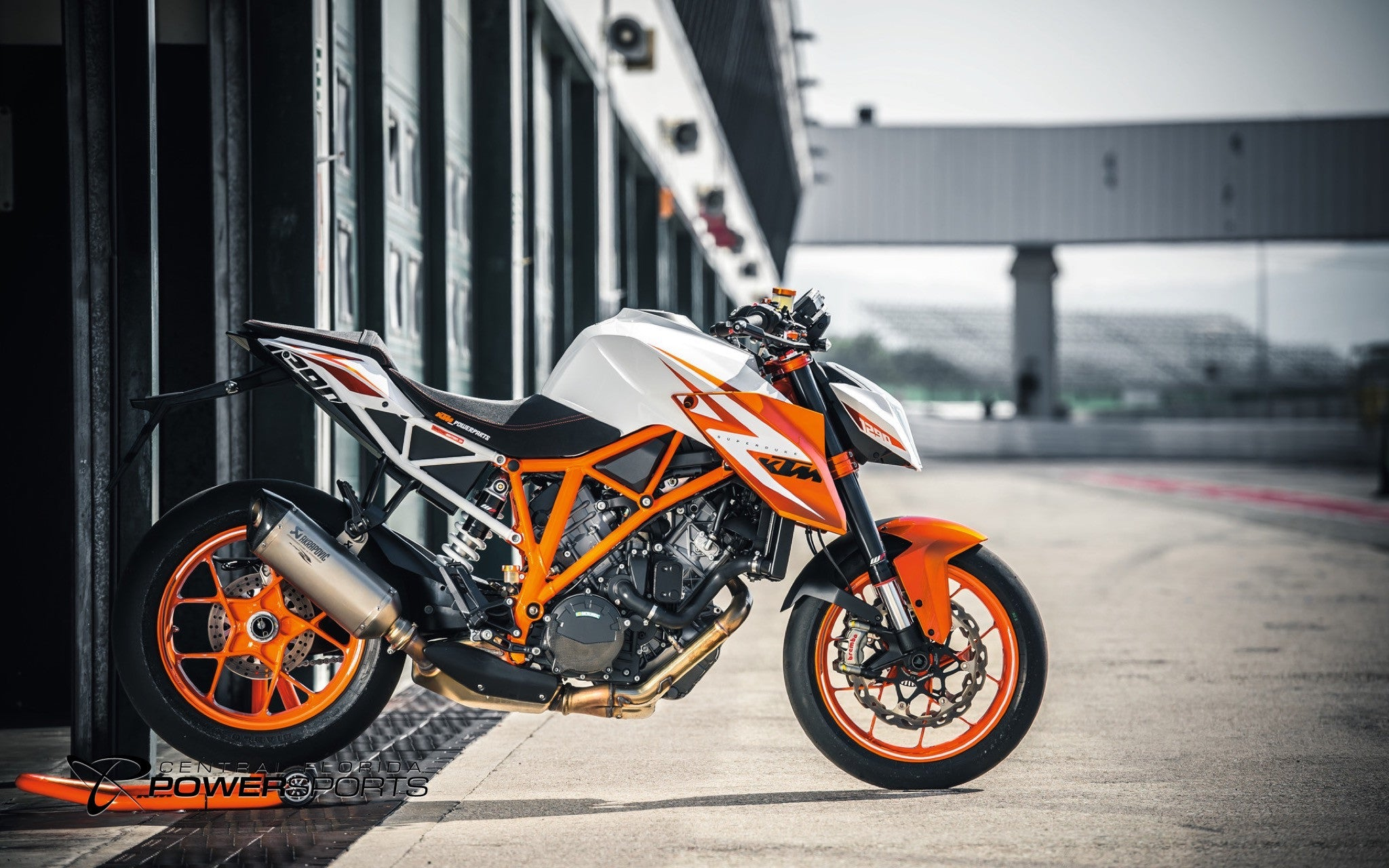 Introducing the 2016 KTM 1290 Super Duke R Special Edition