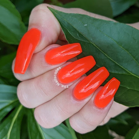 Lillian Golbach Baker Instagram: @the_nailscapes 510-Spiced Coral